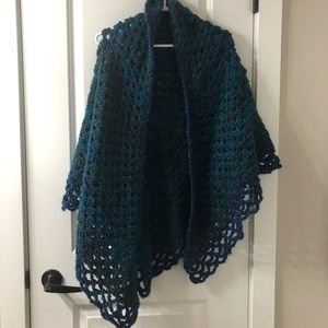 Accessories - Knit shawl